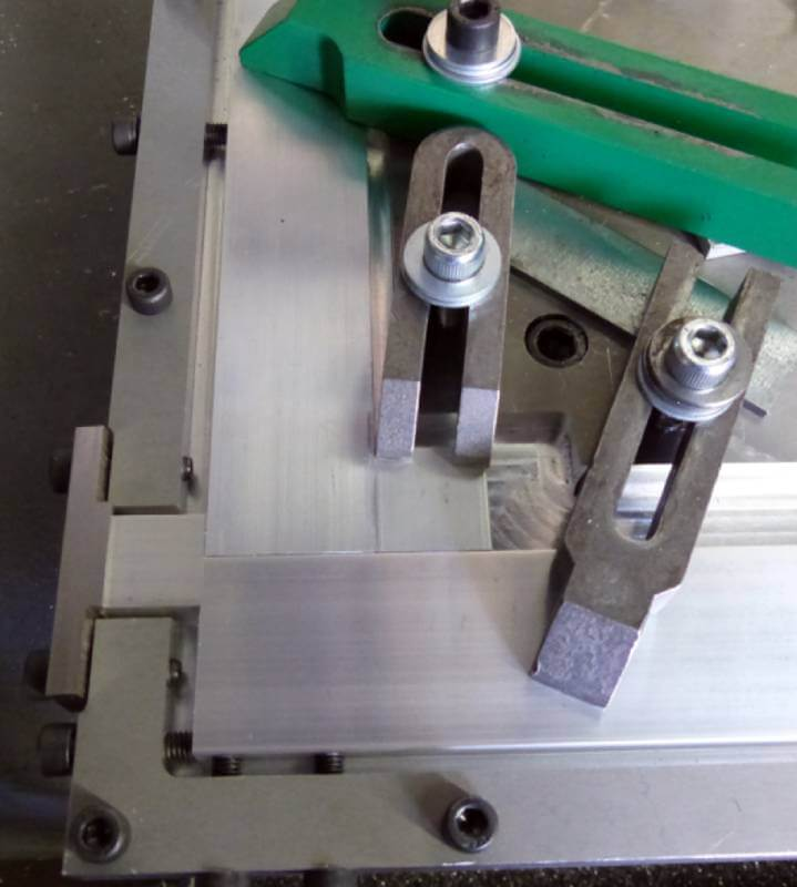 clamping device used for friction stir welding