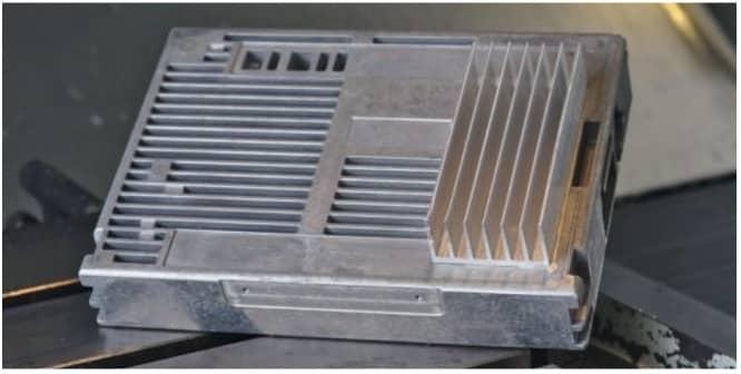 Plaque froide en fonderie d'aluminium